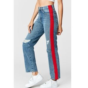 URSULA TAYLOR JEANS WITH RED TAPE